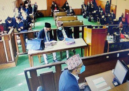 संसद विघटनविरुद्ध निरन्तर सुनुवाई : कानुन व्यवसायीलाई इजलासमा पश्नैप्रश्न
